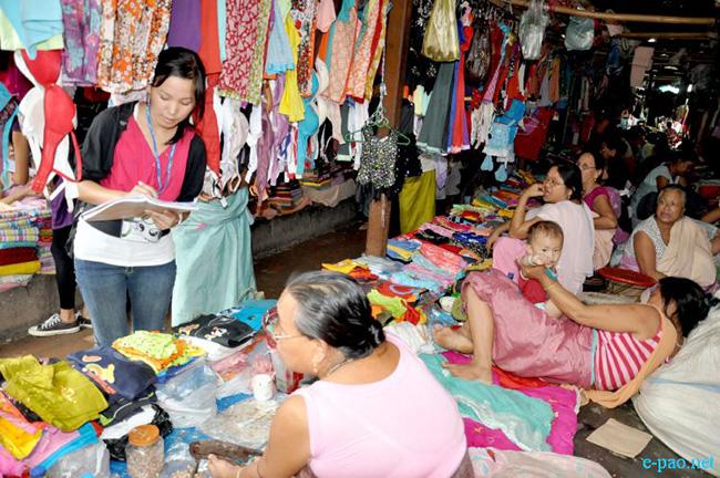 Chợ Ima Keithel nằm ở trung tâm quận Imphal, bang Manipur (Ấn Độ) có tuổi đời hơn 500 năm tuổi.  Bên trong chợ có khoảng 4.000 sạp hàng do các bà chủ quản lý.