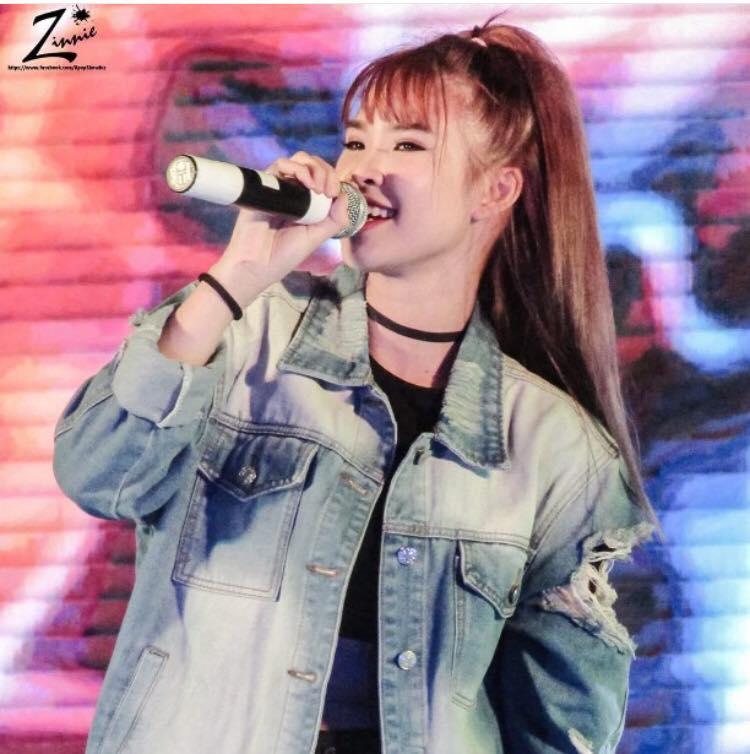 Nữ ca sĩ đông fan nhất mạng xã hội vượt cả Hoài Linh - 3