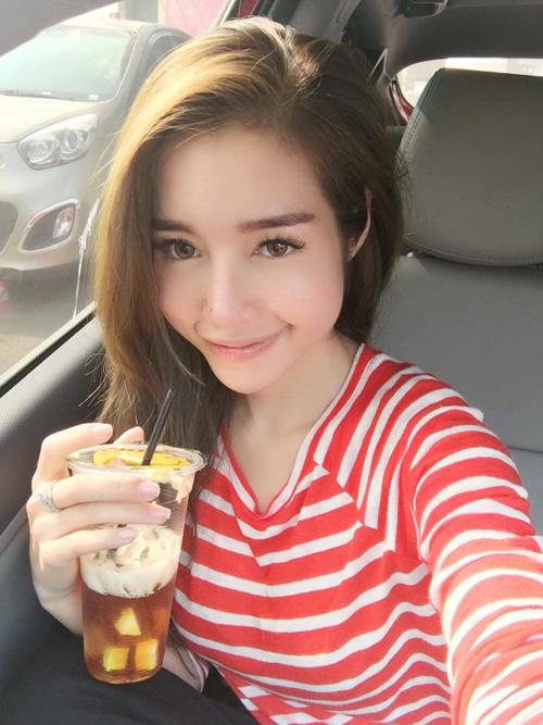 "Facebook sao 16.4: Angela Phương Trinh ""cai"" vũ trường - 7"