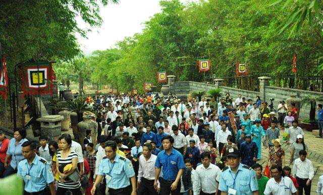 Hàng ngàn người con Sài Gòn tham dự Lễ Giỗ Quốc Tổ - 4