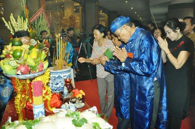 Hàng ngàn người con Sài Gòn tham dự Lễ Giỗ Quốc Tổ - 13
