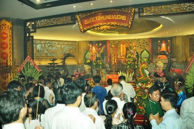 Hàng ngàn người con Sài Gòn tham dự Lễ Giỗ Quốc Tổ - 14