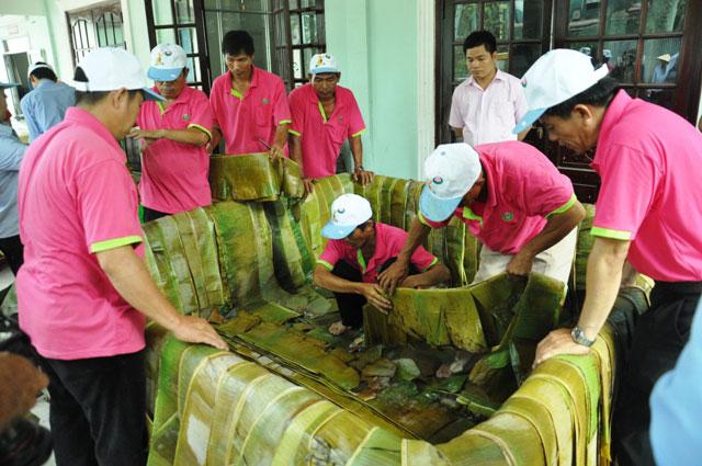TPHCM: Dâng lễ vật khổng lồ lên vua Hùng ngày Giỗ Tổ - 3
