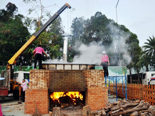 TPHCM: Dâng lễ vật khổng lồ lên vua Hùng ngày Giỗ Tổ - 7