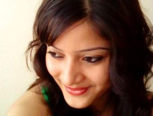 """Nữ tỷ phú Ấn Độ giết con vì sợ """"túi tiền"""" hao hụt - 2"""