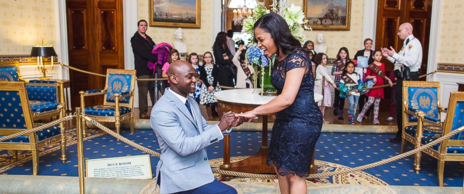Ngỡ ngàng vì được cầu hôn bất ngờ giữa Nhà Trắng - 1