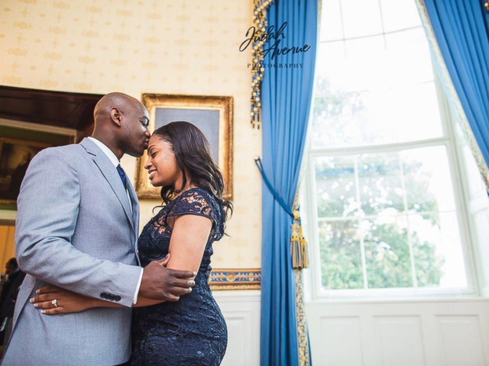 Ngỡ ngàng vì được cầu hôn bất ngờ giữa Nhà Trắng - 2