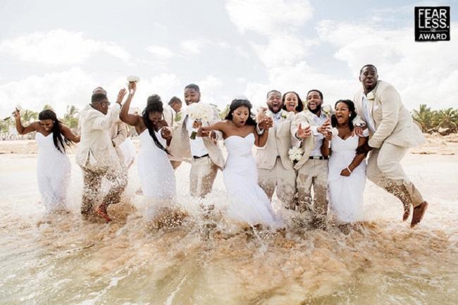 Dưới đây là 25 bức ảnh cưới lộng lẫy vừa được công bố ngày 11.4, được chọn từ hàng nghìn bức ảnh cưới trên khắp thế giới.