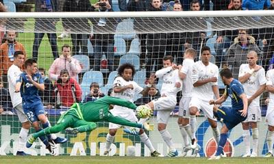 Chi tiết Getafe - Real Madrid: Ronaldo nhập tiệc muộn - 9