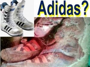 Xác ướp 1.500 tuổi mang giày... Adidas