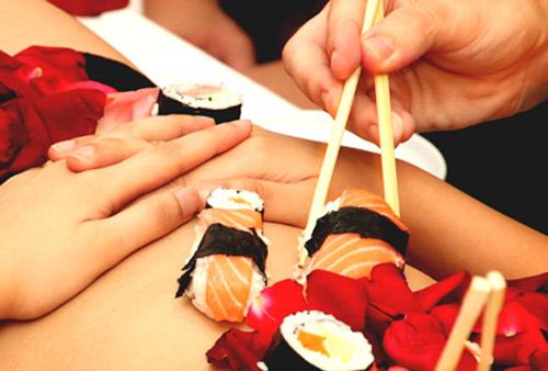 Chuyện khó nói của mẫu nude trên bàn tiệc Nhật Bản - 4