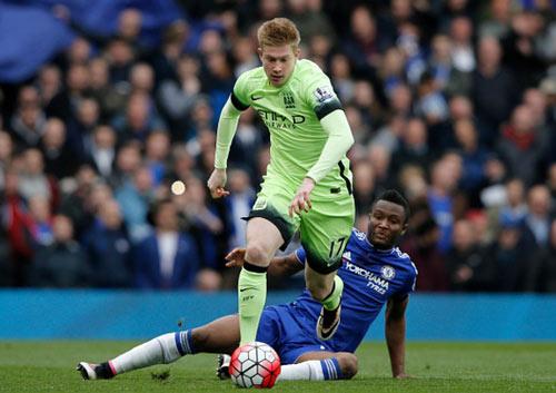 Góc chiến thuật Chelsea–Man City: Aguero và bậc thầy phản công - 5