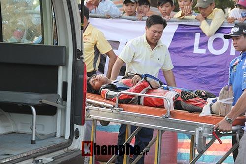 Đua xe nữ: Liên tiếp va chạm, người vào viện người mất ngôi - 6