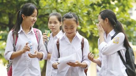 Tuyển sinh lớp 10 ở Hà Nội: Siết chặt chuyển trường công - 1
