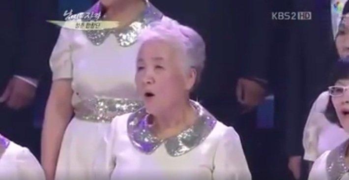 Thích thú với clip các cụ 70 tuổi hát ca khúc của SNSD - 2