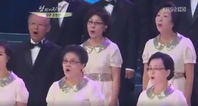 Thích thú với clip các cụ 70 tuổi hát ca khúc của SNSD - 1