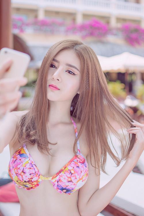 Hot girl Lilly Luta tung ảnh bikini gợi cảm chào hè - 5