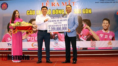 Bí thư Đinh La Thăng chúc mừng CLB Sài Gòn - 2