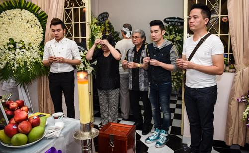 Quang Hà nấc nghẹn khi hát tiễn nhạc sĩ Nguyễn Ánh 9 - 2