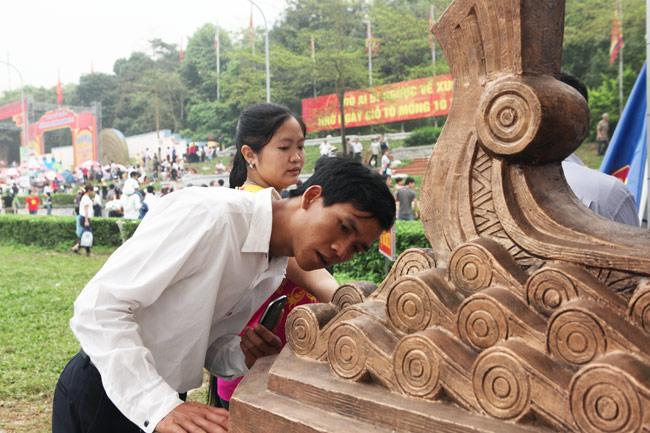 Ảnh: Cận cảnh ba mẫu phác thảo tượng Hùng Vương - 4