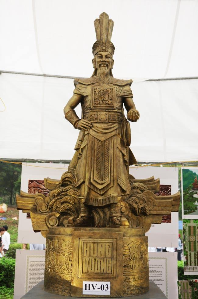 Ảnh: Cận cảnh ba mẫu phác thảo tượng Hùng Vương - 7