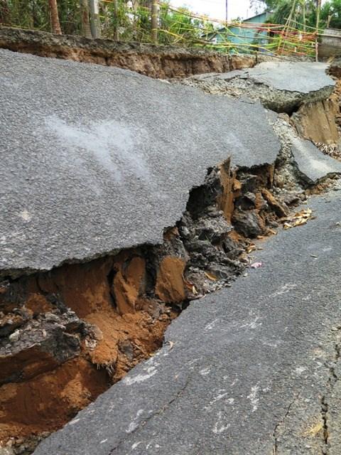 Khô hạn gây sụt đất kinh hoàng ở Cà Mau - 4