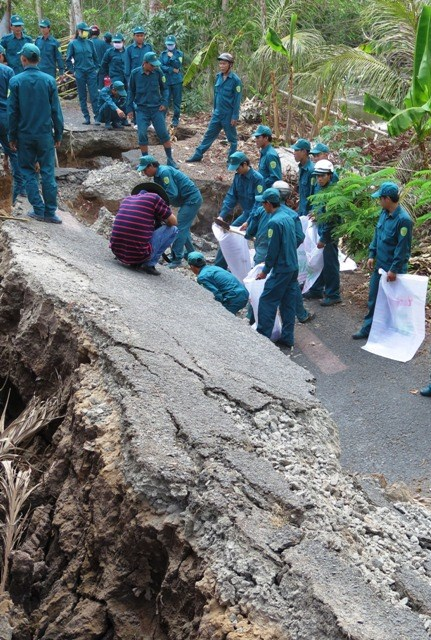 Khô hạn gây sụt đất kinh hoàng ở Cà Mau - 5