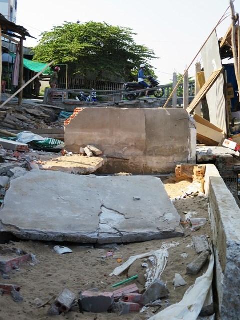 Khô hạn gây sụt đất kinh hoàng ở Cà Mau - 3