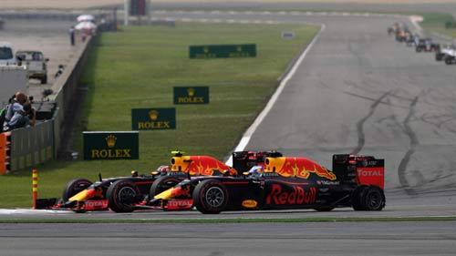 F1 - Chinese GP: Kẻ liều thì được nhiều - 2