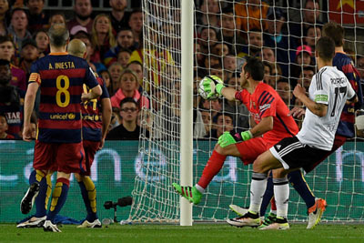 Chi tiết Barca – Valencia: Pique ôm đầu tiếc nuối (KT) - 6