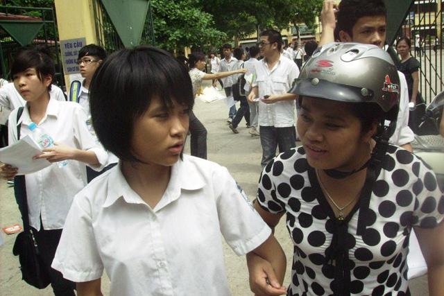 Tuyển sinh lớp 10 tại Hà Nội: Phụ huynh phải viết đơn nếu con không dự thi - 1