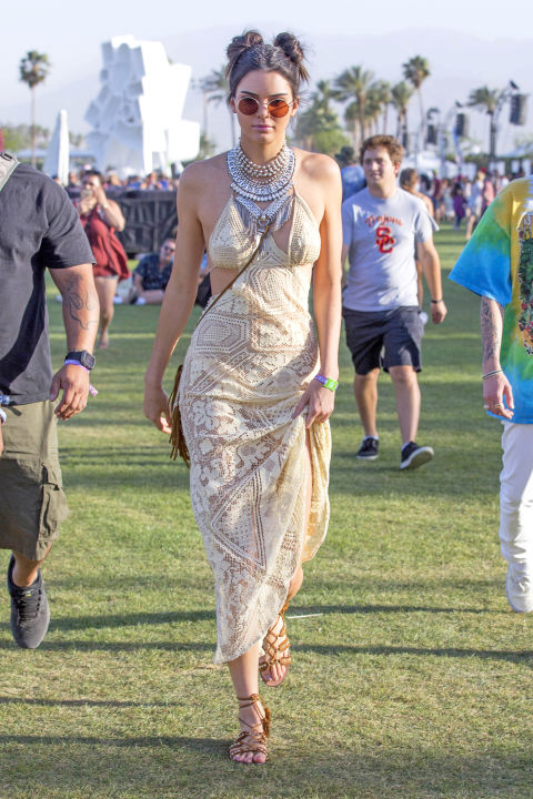 """Chân dài đọ phong cách """"hot"""" trong lễ hội âm nhạc - 2"""