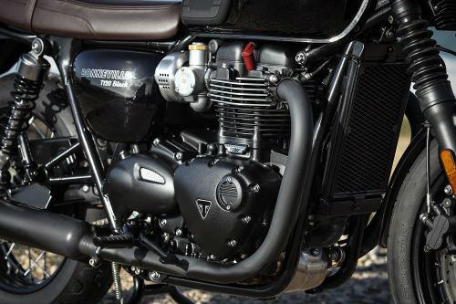 Triumph Bonneville T120: Mạnh mẽ và êm ái - 4