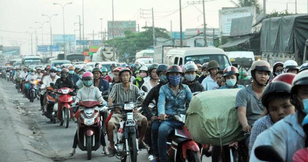 Dân trở lại Sài Gòn sau nghỉ lễ, không còn cảnh kẹt xe - 3