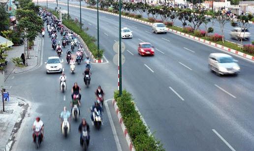 Dân trở lại Sài Gòn sau nghỉ lễ, không còn cảnh kẹt xe - 4