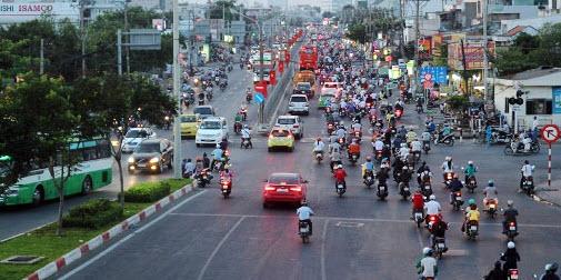 Dân trở lại Sài Gòn sau nghỉ lễ, không còn cảnh kẹt xe - 5