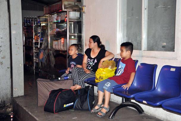 Dân trở lại Sài Gòn sau nghỉ lễ, không còn cảnh kẹt xe - 10