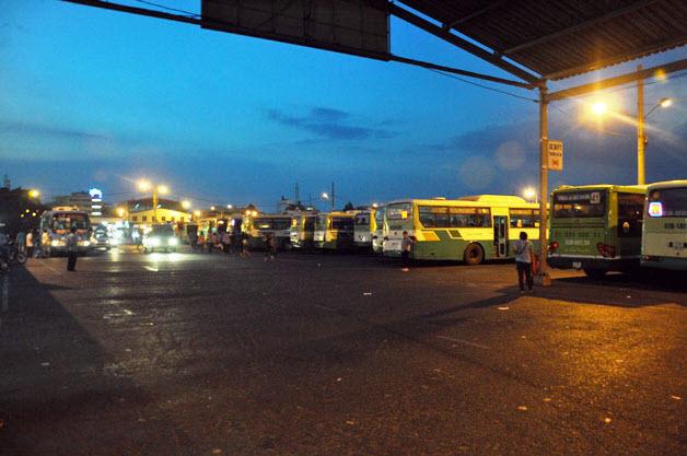 Dân trở lại Sài Gòn sau nghỉ lễ, không còn cảnh kẹt xe - 7