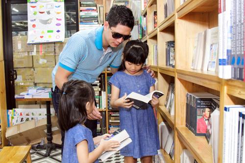 """Bình Minh mong """"tiểu công chúa"""" thích sách từ bé thơ - 3"""