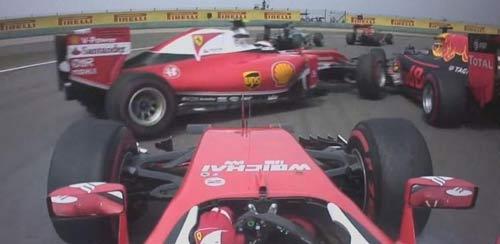 """F1, va chạm ở Chinese GP: Sóng gió chưa """"tha"""" Vettel - 1"""