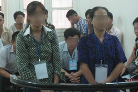 Ba mẹ con cùng ra tòa vì tội làm nhục người khác - 1