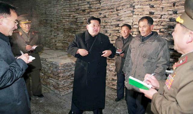 """Triều Tiên lập đội """"soi"""" người mặc quần jean, xỏ khuyên - 2"""