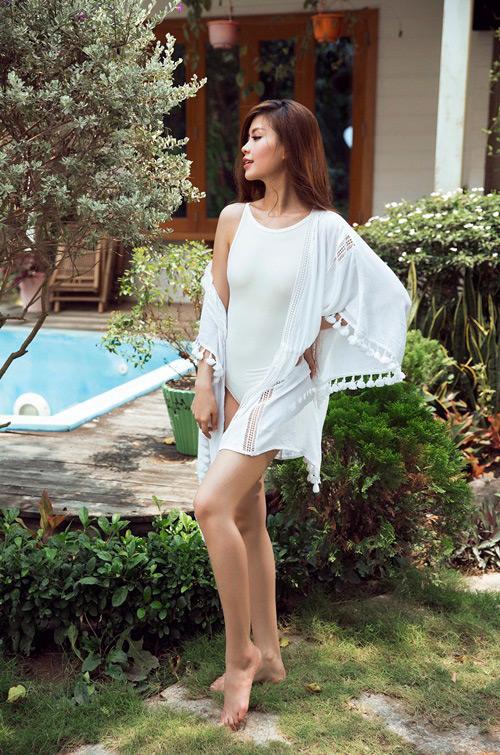 Bầu 4 tháng, á hậu Diễm Trang vẫn diện áo tắm gợi cảm - 2