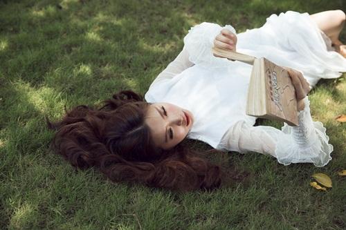 Bầu 4 tháng, á hậu Diễm Trang vẫn diện áo tắm gợi cảm - 6