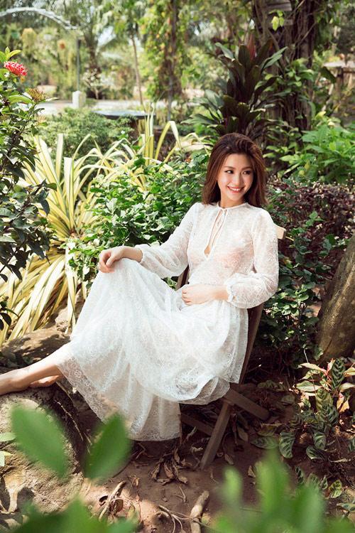 Bầu 4 tháng, á hậu Diễm Trang vẫn diện áo tắm gợi cảm - 8