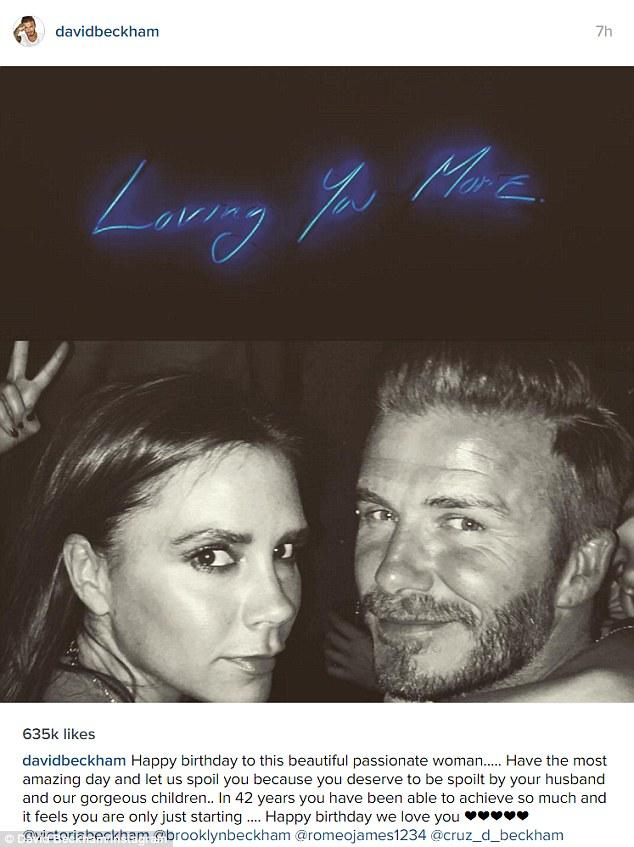 Tan chảy vì lời tình tứ của vợ chồng Victoria Beckham - 1
