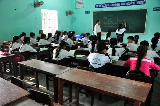 Toàn trường tổ chức lễ mặc niệm 9 học sinh đuối nước - 2