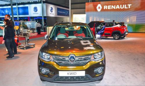 """Ôtô Renault Kwid giá 122 triệu đồng vẫn """"nóng sốt"""" - 1"""