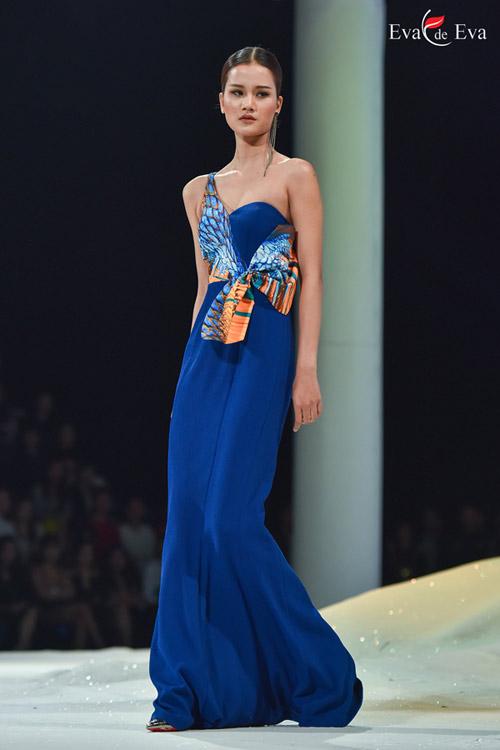 Những mẫu thiết kế kiêu sa khép lại show Eva de Eva - 3