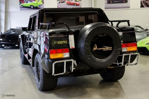 Lamborghini rao bán hàng hiếm LM002 giá 449.888 USD - 4